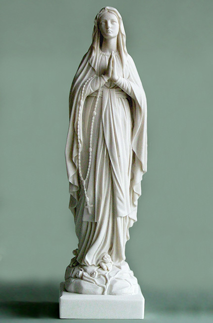 Whole statue of Virgin Mary praying in White color
