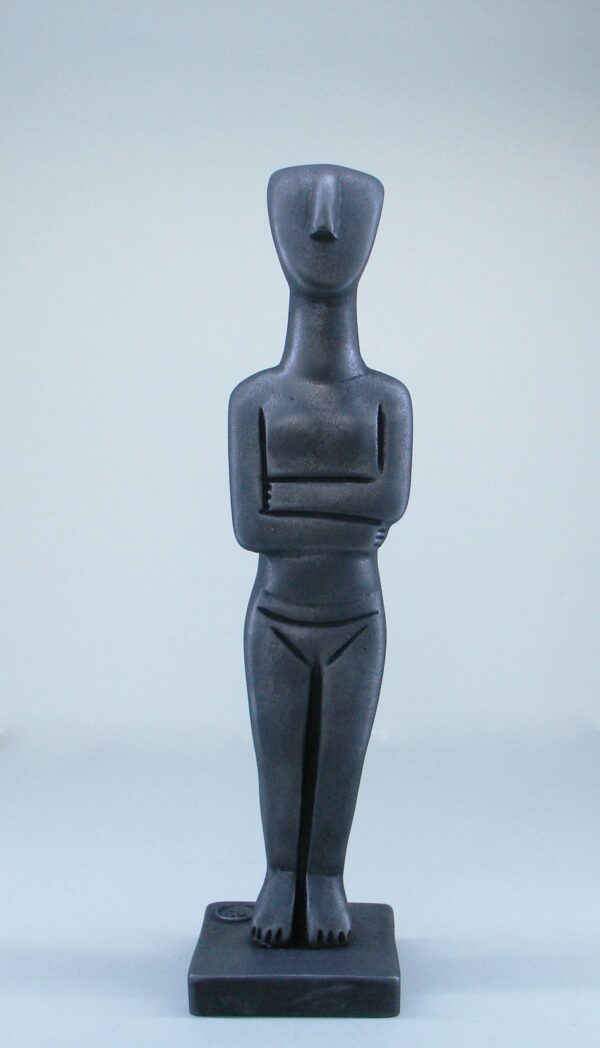 Greek statue of a woman in Cycladic art